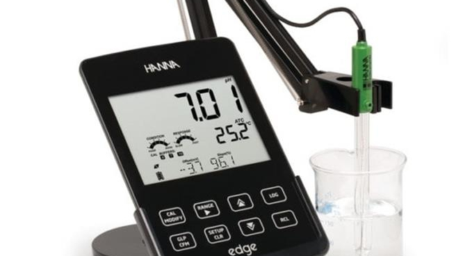 HI 2020 edgeTM többfunkciós pH mérő