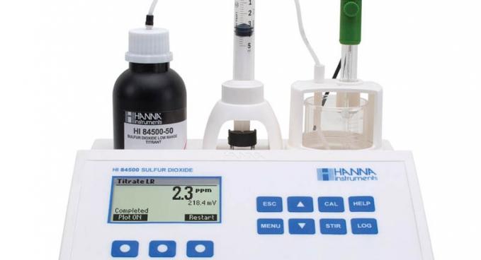 HI 84500 Borászati minititrátor a kén-dioxidtartalom méréséhez
